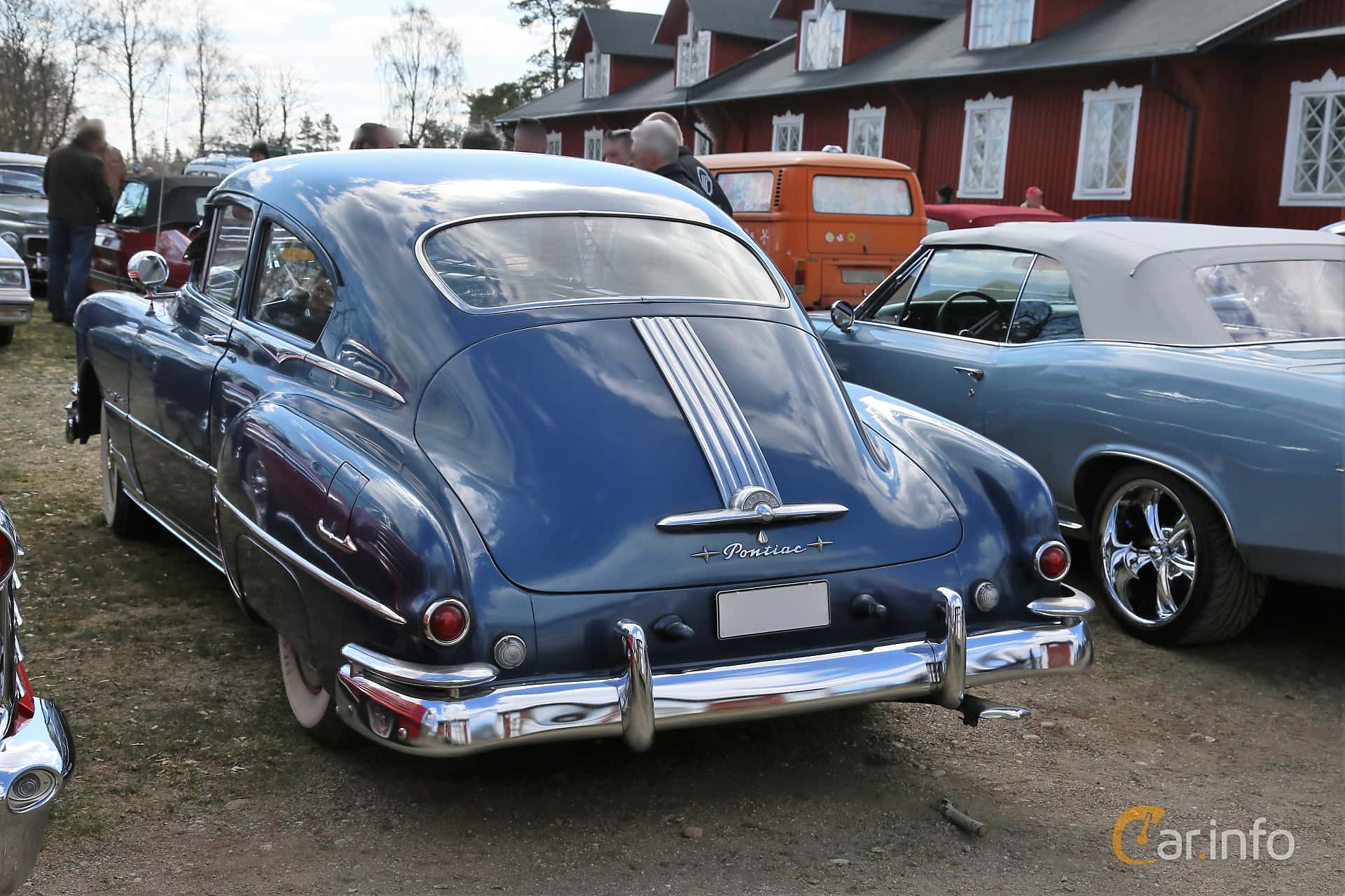 Pontiac Streamliner Coupé 4.4 Hydra-Matic, 110hp, 1950 at Uddevalla Veteranbilsmarknad Backamo, Ljungsk 2019