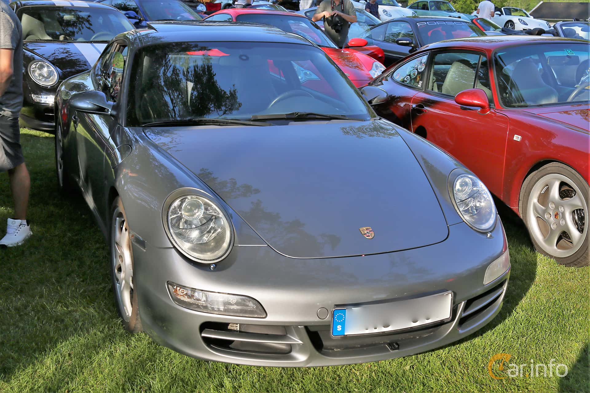 Front/Side  of Porsche 911 Carrera S 3.8 H6 Manual, 355ps, 2006 at GMHK Bilträff hos Mellanders 2019