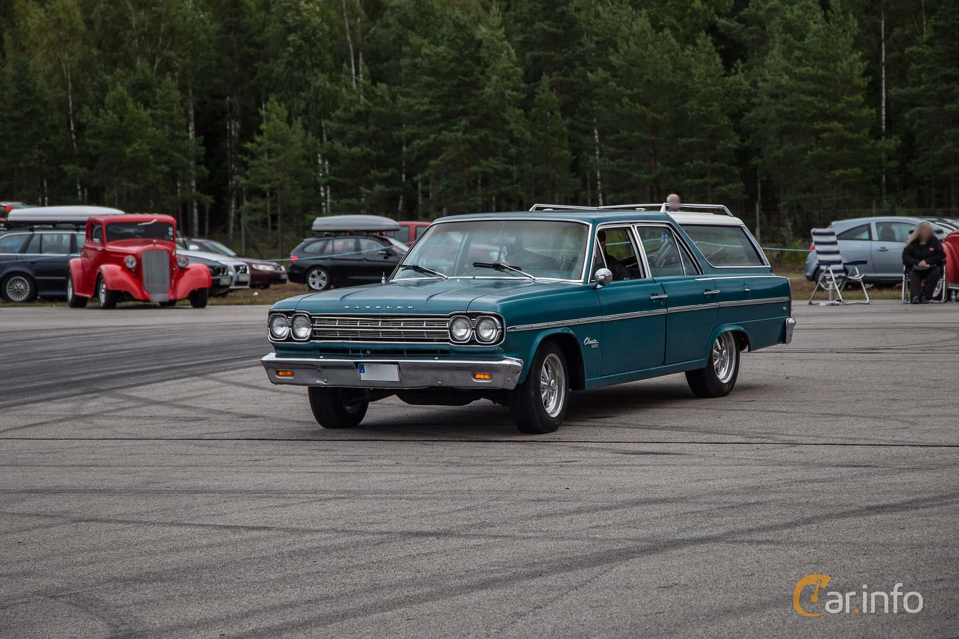 Front/Side of Rambler Classic Station Wagon 4.7 V8 Manual, 201ps, 1966 at