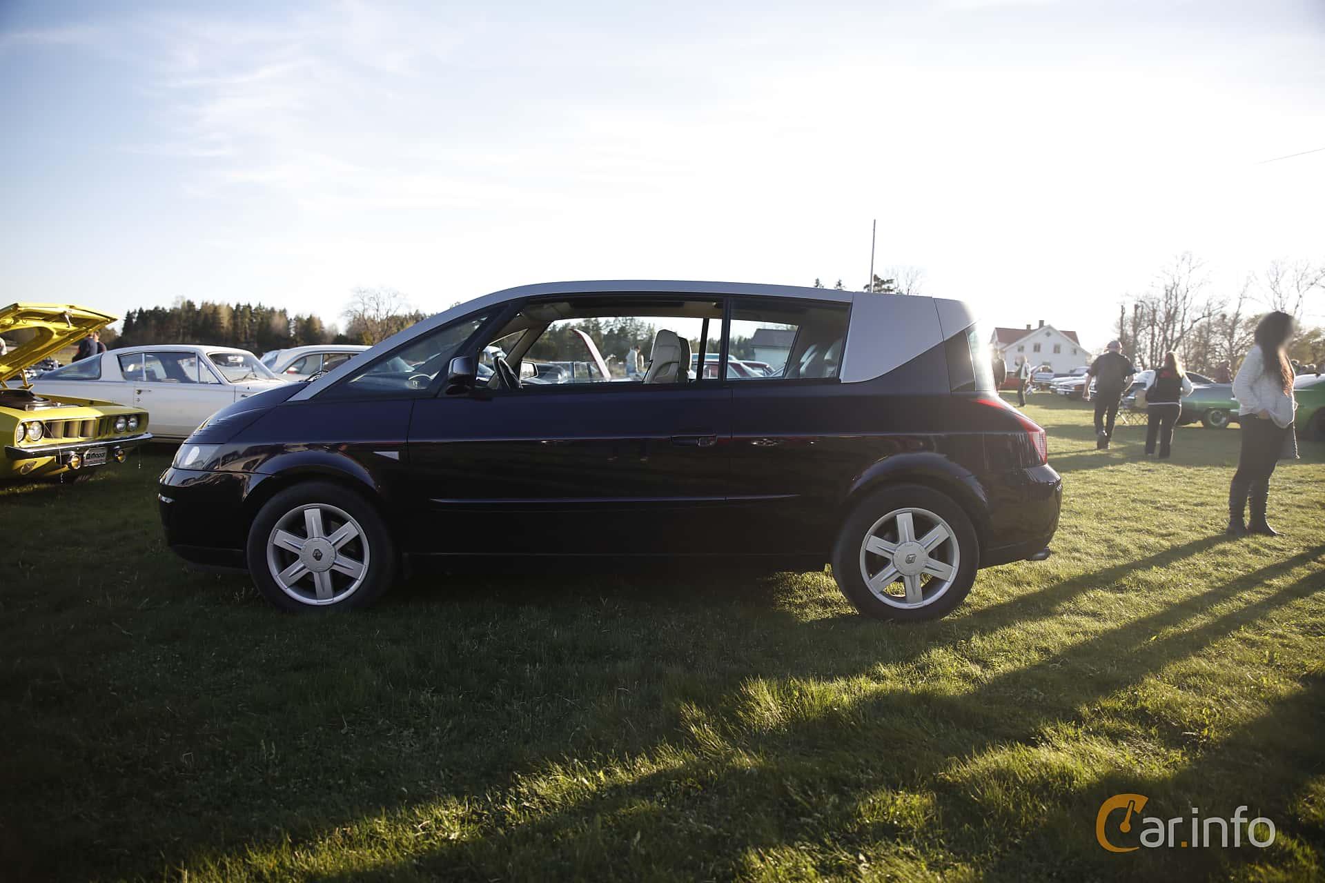 Renault Avantime 3.0 V6 Manuell, 207hk, 2002 at Motorträffar på Nifsta Gård (v.18 2016)