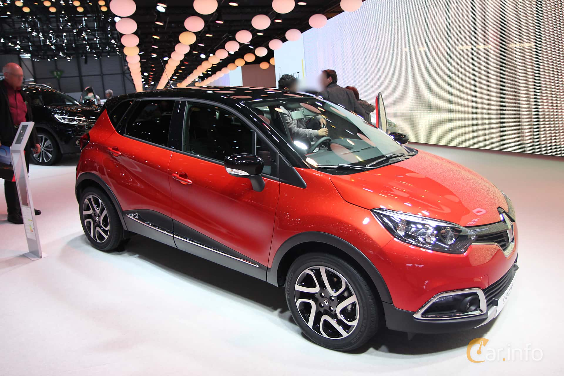 renault captur 1 2 tce manual 120hp 2015. Black Bedroom Furniture Sets. Home Design Ideas