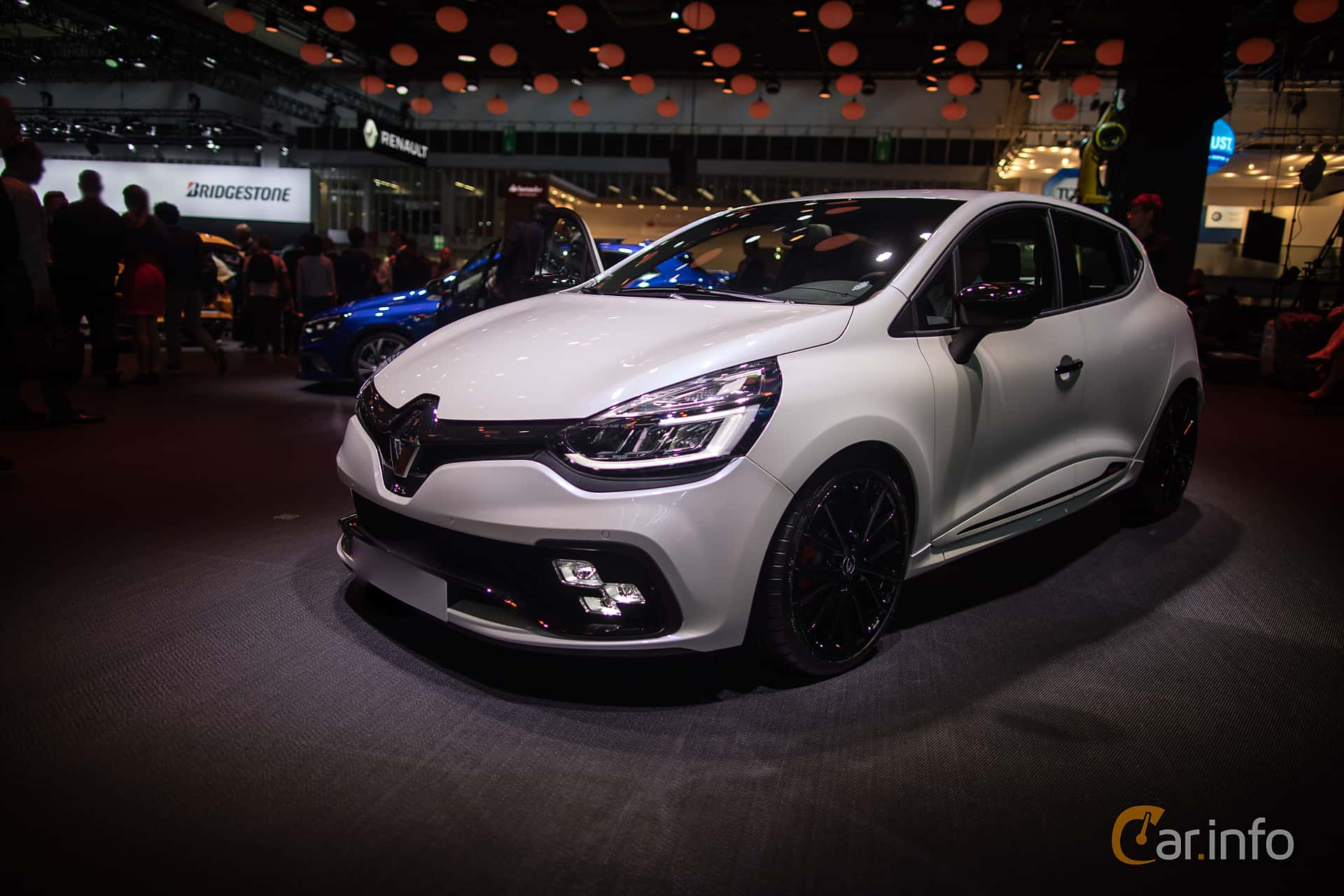 5 images of renault clio rs 220 trophy 1 6 tce edc 220hp. Black Bedroom Furniture Sets. Home Design Ideas