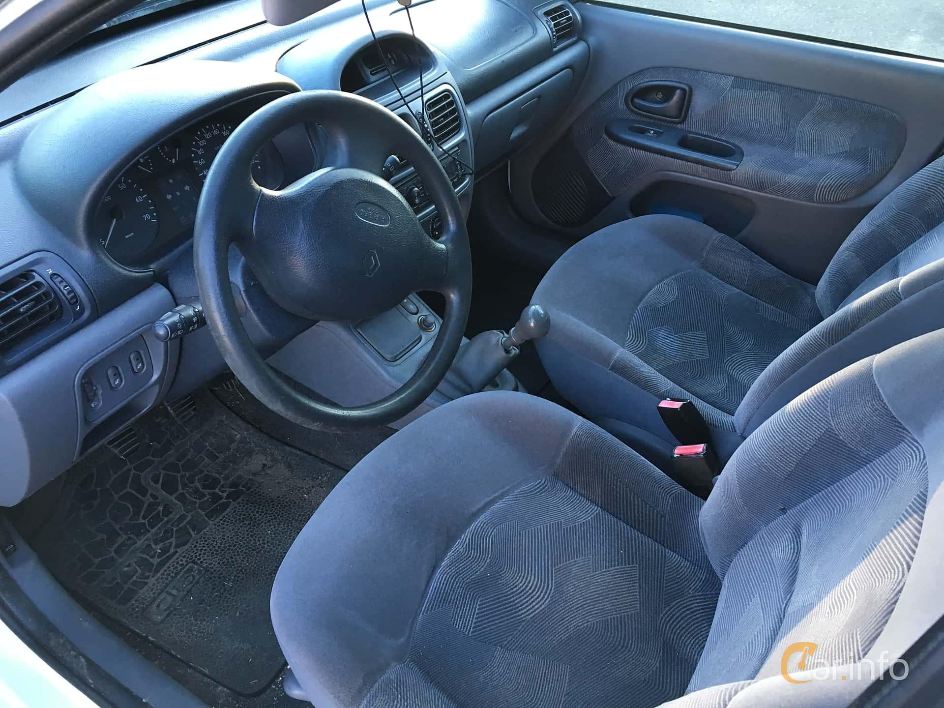 Renault Clio 5 Door Hatchback 1 4 Manual 75hp 2001