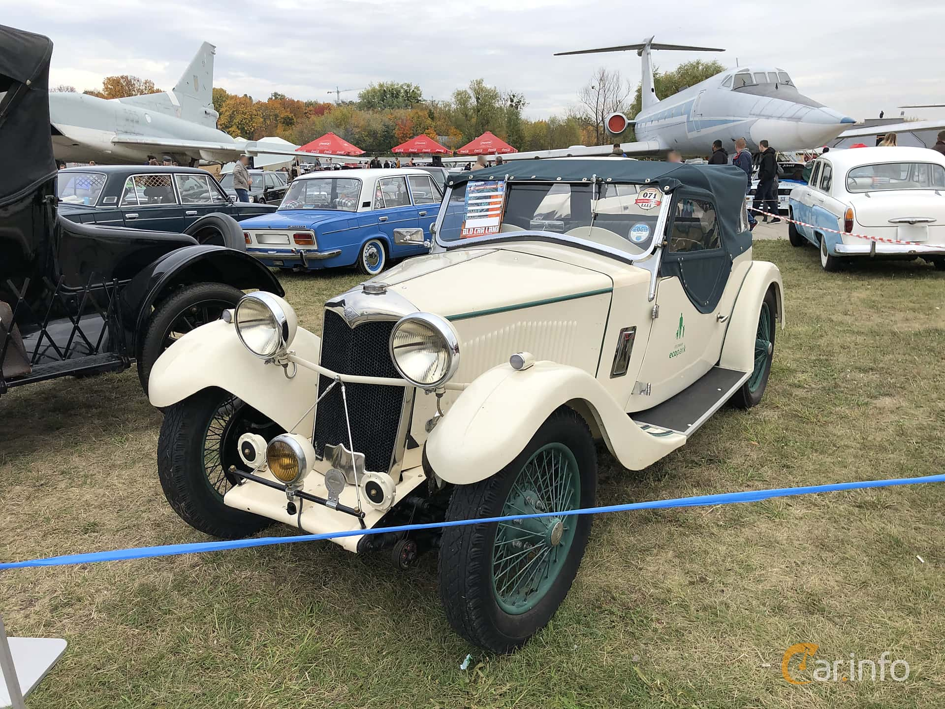 Fram/Sida av Riley 9 Convertible 1.1 Manual, 29ps, 1933 på Old Car Land no.2 2019