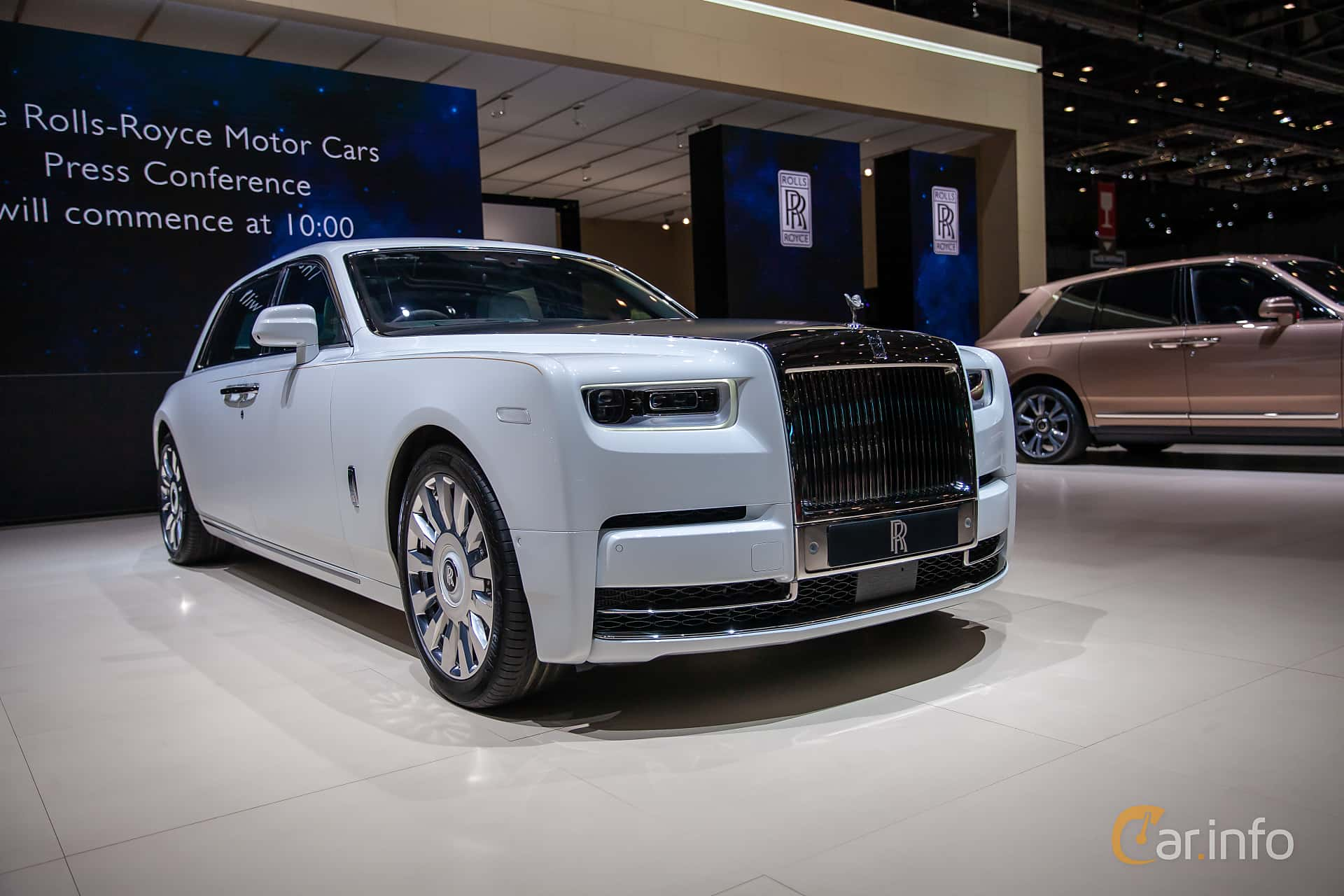 5 images of Rolls-Royce Phantom EWB 6 7 V12 Automatic, 571hp