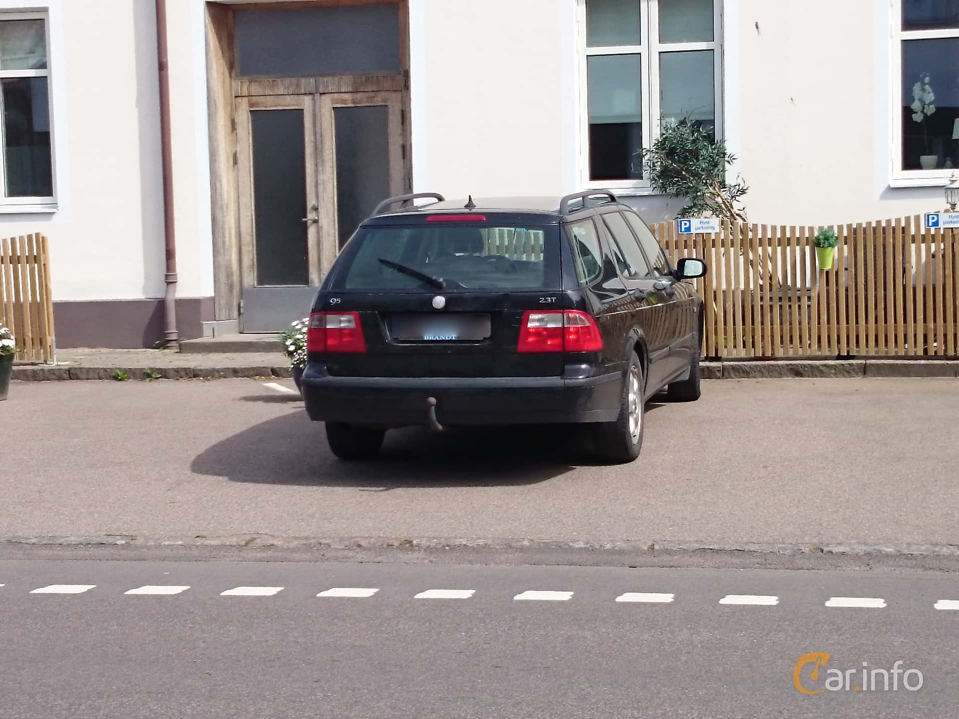 Back Side Of Saab 9 5 SportCombi 23 T Manual 220ps 2004