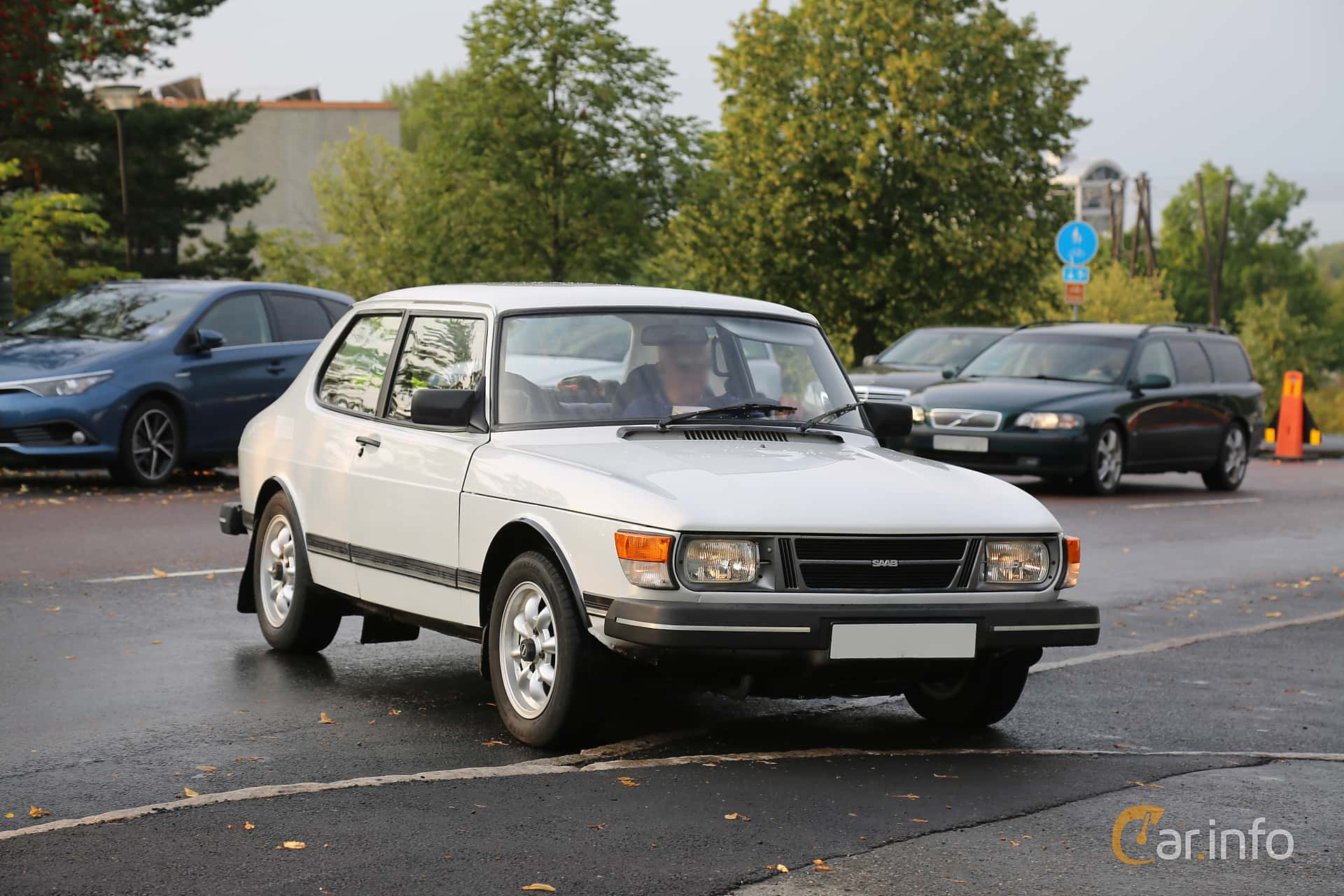 Saab 99 2-door Sedan 2.0 Manual, 100hp, 1984 at Bil & MC-träffar i Huskvarna Folkets Park 2019 Amerikanska fordon