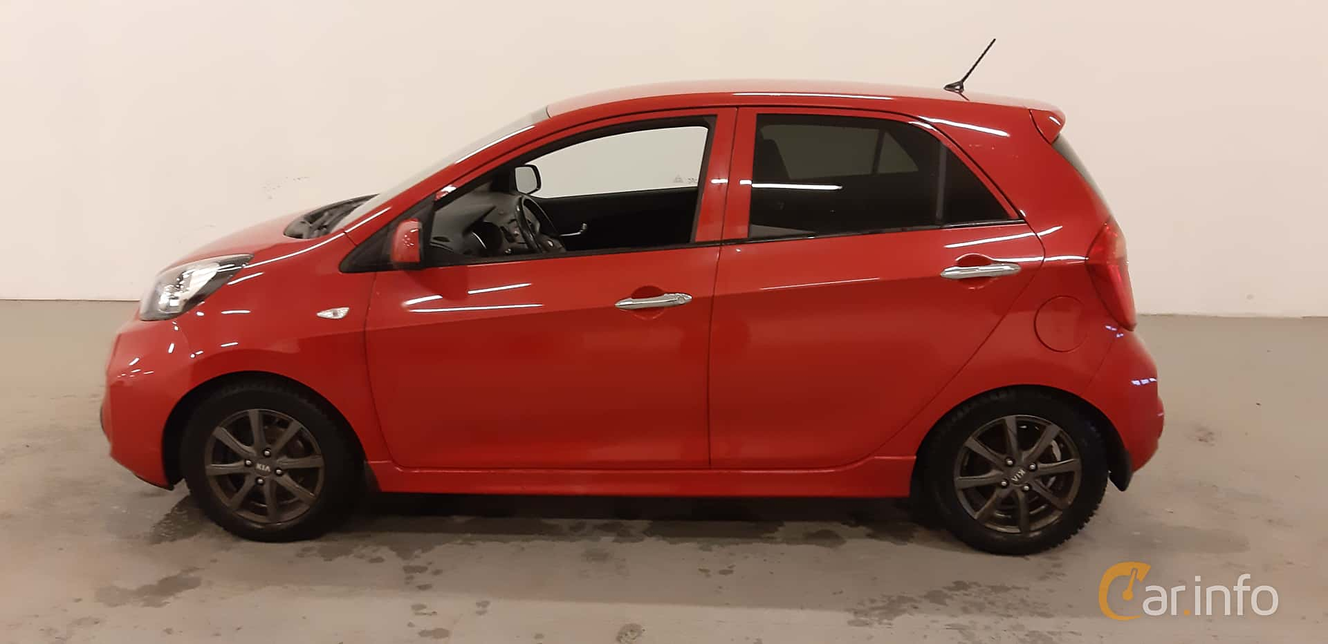 Side  of Kia Picanto 5-door 1.0 Manual, 69ps, 2016