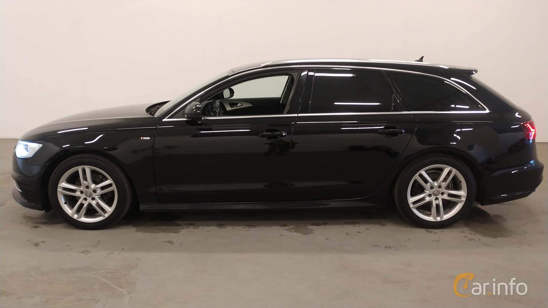 Side  of Audi A6 Avant 2.0 TDI quattro S Tronic, 190ps, 2016