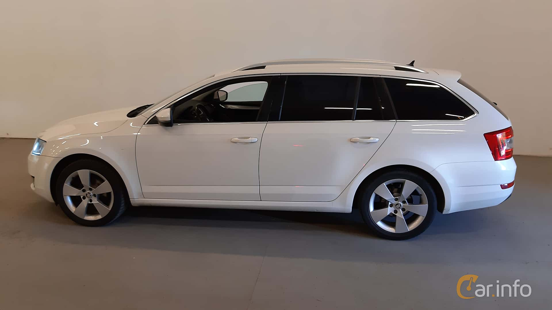 Sida av Skoda Octavia Combi 1.6 TDI Manual, 110ps, 2016