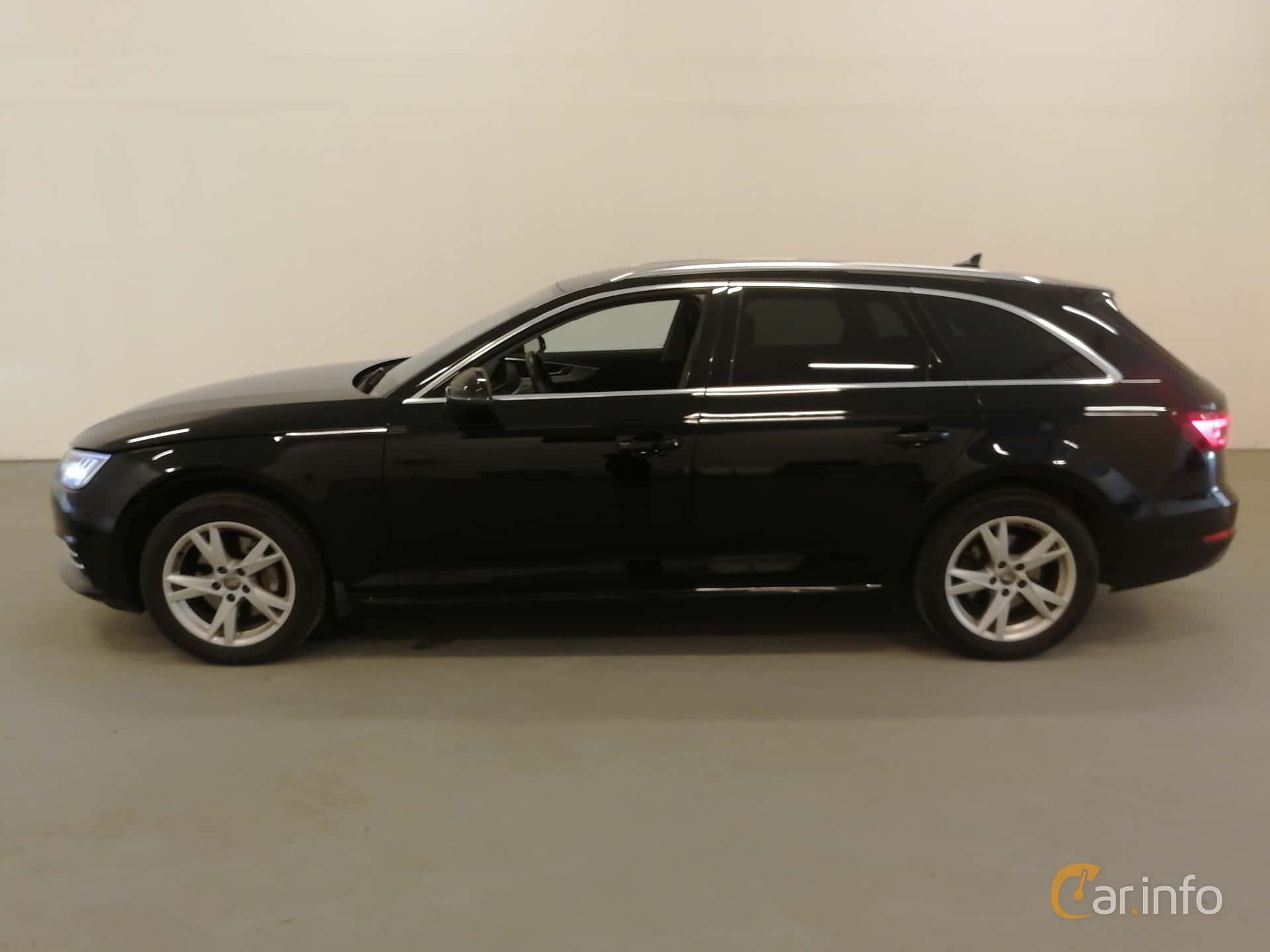 Side  of Audi A4 Avant 2.0 TDI quattro S Tronic, 190ps, 2018