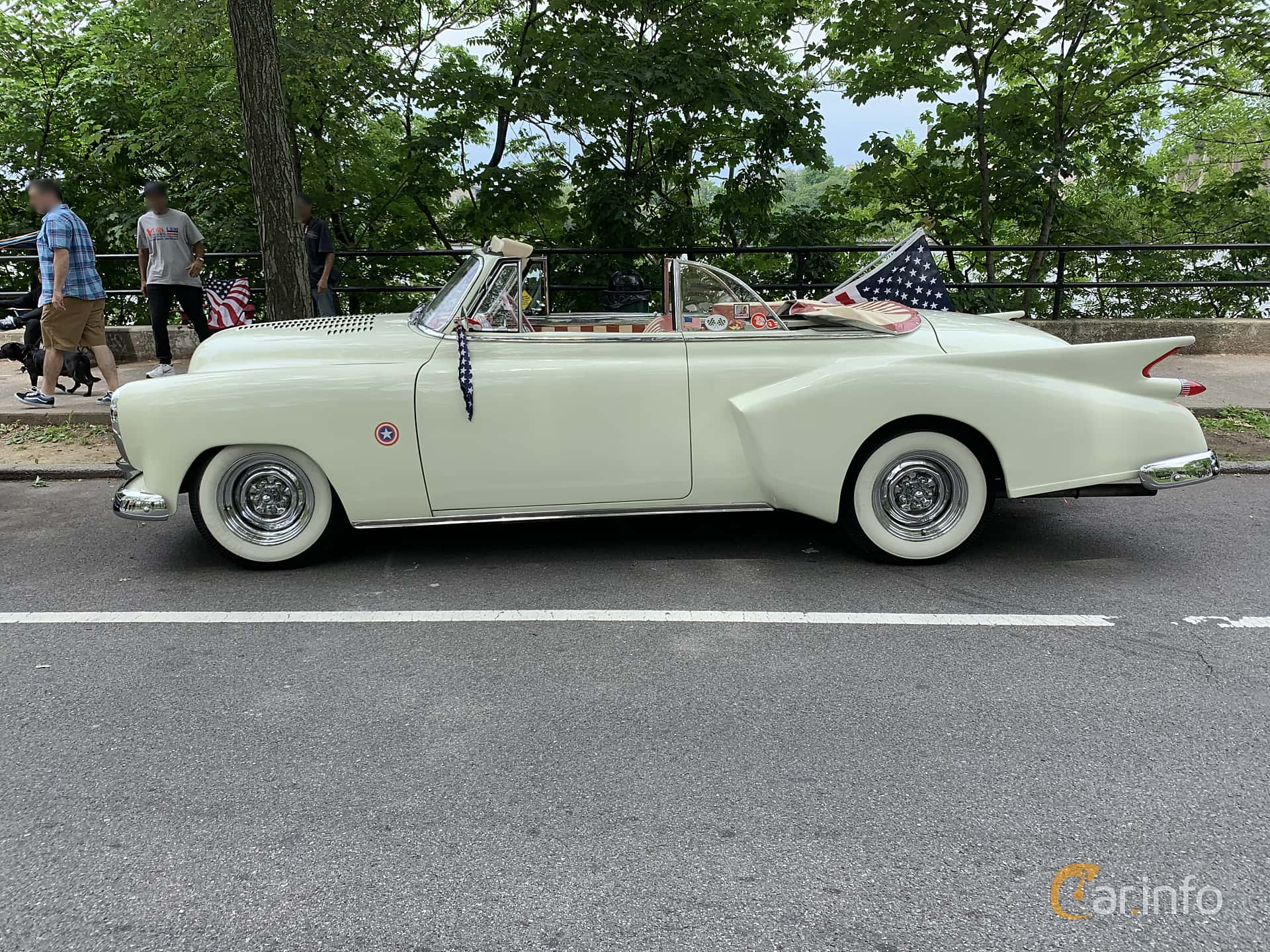 Chevrolet Styleline Deluxe Convertible Coupé 3.5 Manual, 91hp, 1949 at Father's Day Classic Car Show New York 2019