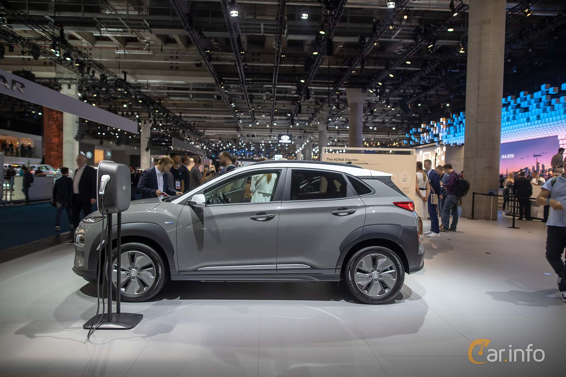 Side  of Hyundai Kona Electric 64 kWh Single Speed, 204ps, 2020 at IAA 2019