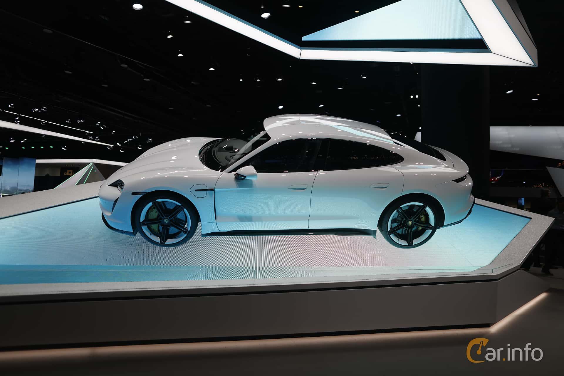 Side  of Porsche Taycan Turbo S  Single Speed, 761ps, 2020 at IAA 2019