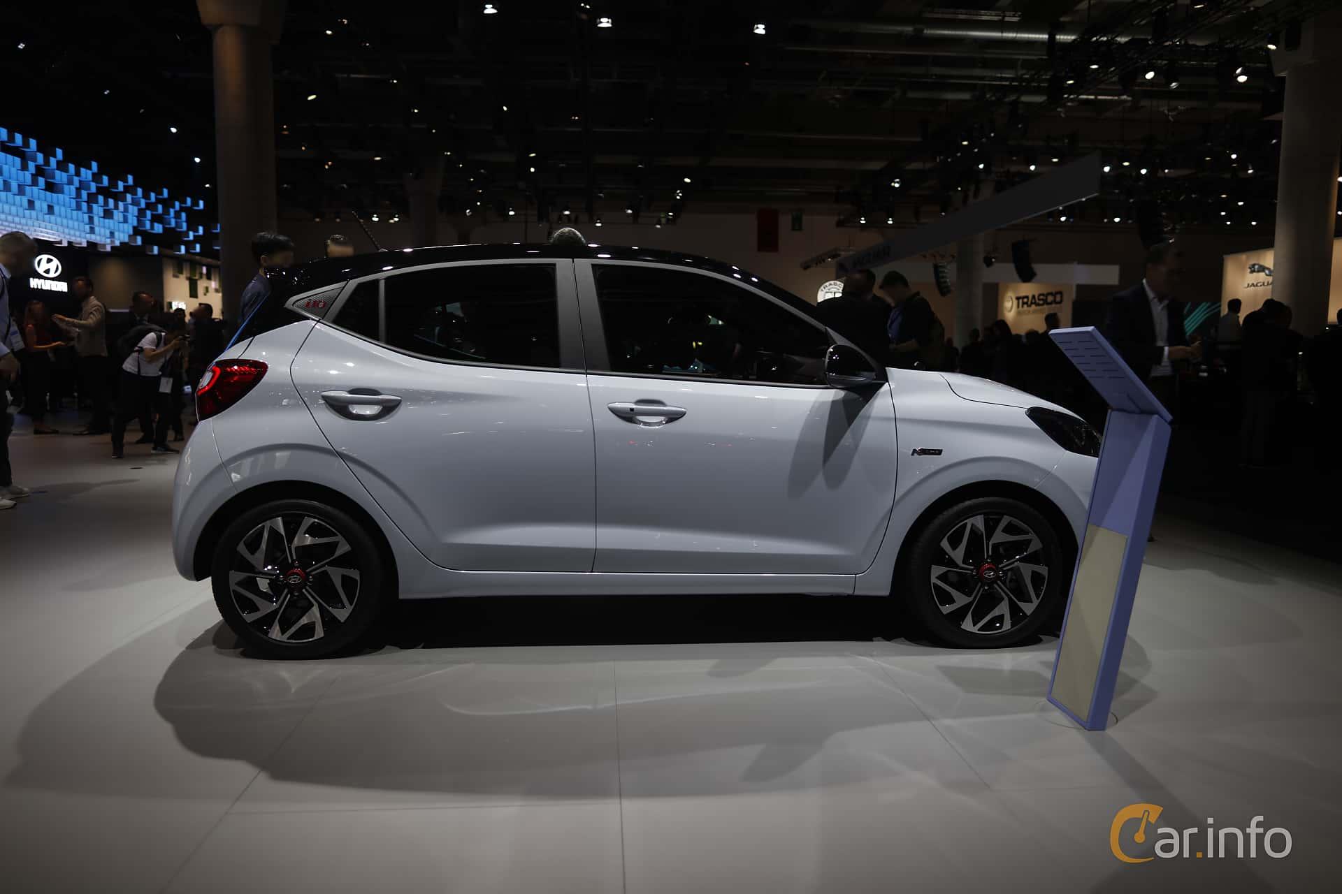 Side  of Hyundai i10 1.2 AMT, 84ps, 2020 at IAA 2019