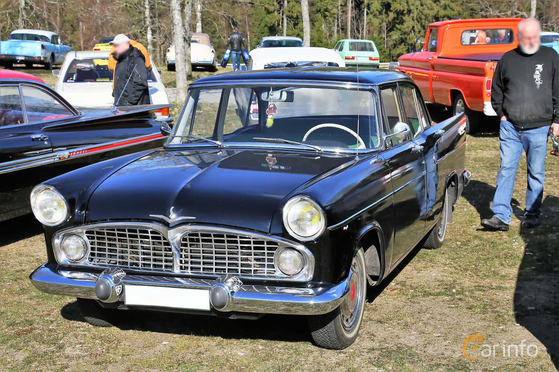 Simca Vedette 2.4 Manual, 84hp, 1958 at Uddevalla Veteranbilsmarknad Backamo, Ljungsk 2019