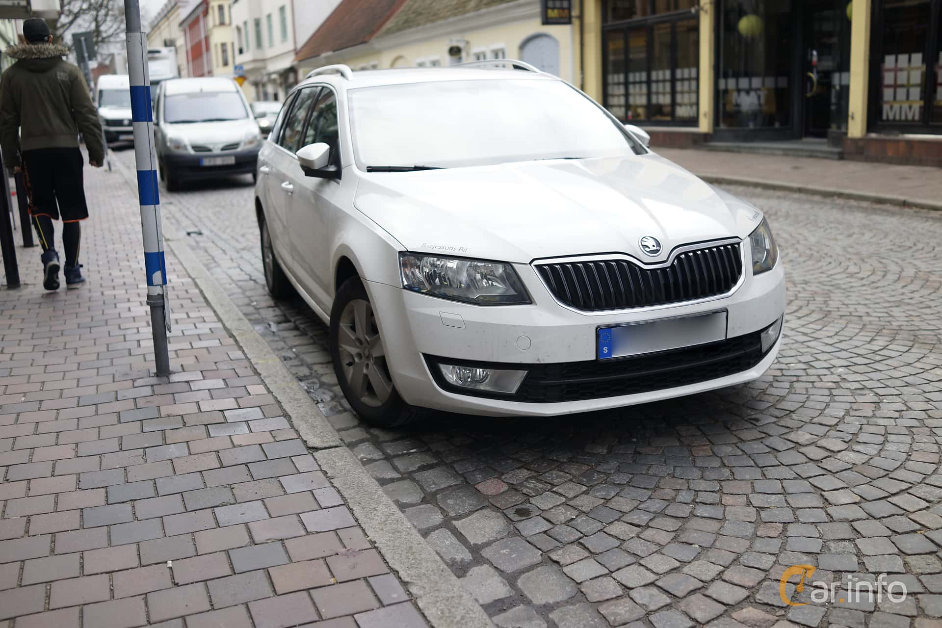 skoda octavia kombi 2 0 tdi dsg sekventiell 150hk 2014. Black Bedroom Furniture Sets. Home Design Ideas