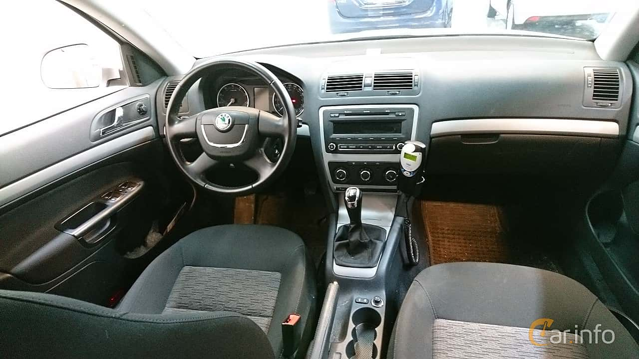 Skoda Octavia Combi 1.6 MPI Multifuel Manual, 102hp, 2012