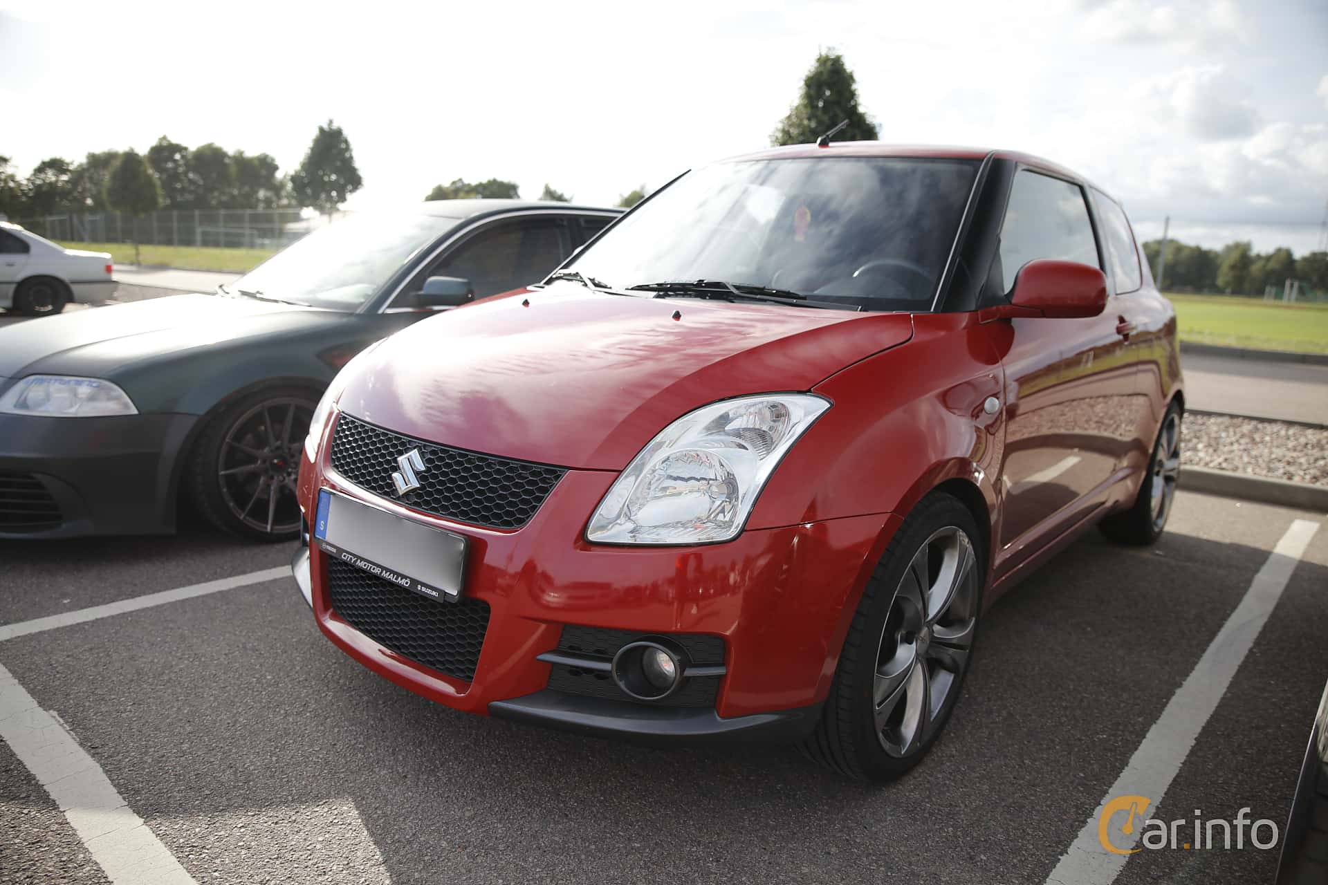 2 Images Of Suzuki Swift Sport 3 Door 16 Manual 125hp 2007 By