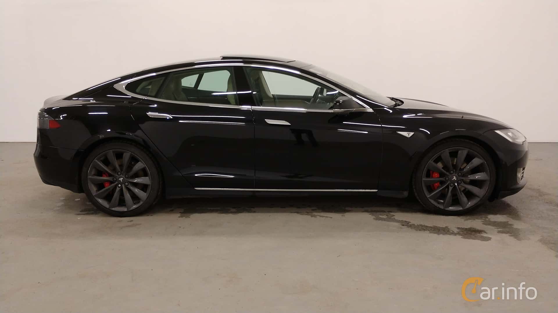 Side  of Tesla Model S P85D 85 kWh AWD Single Speed, 511ps, 2015
