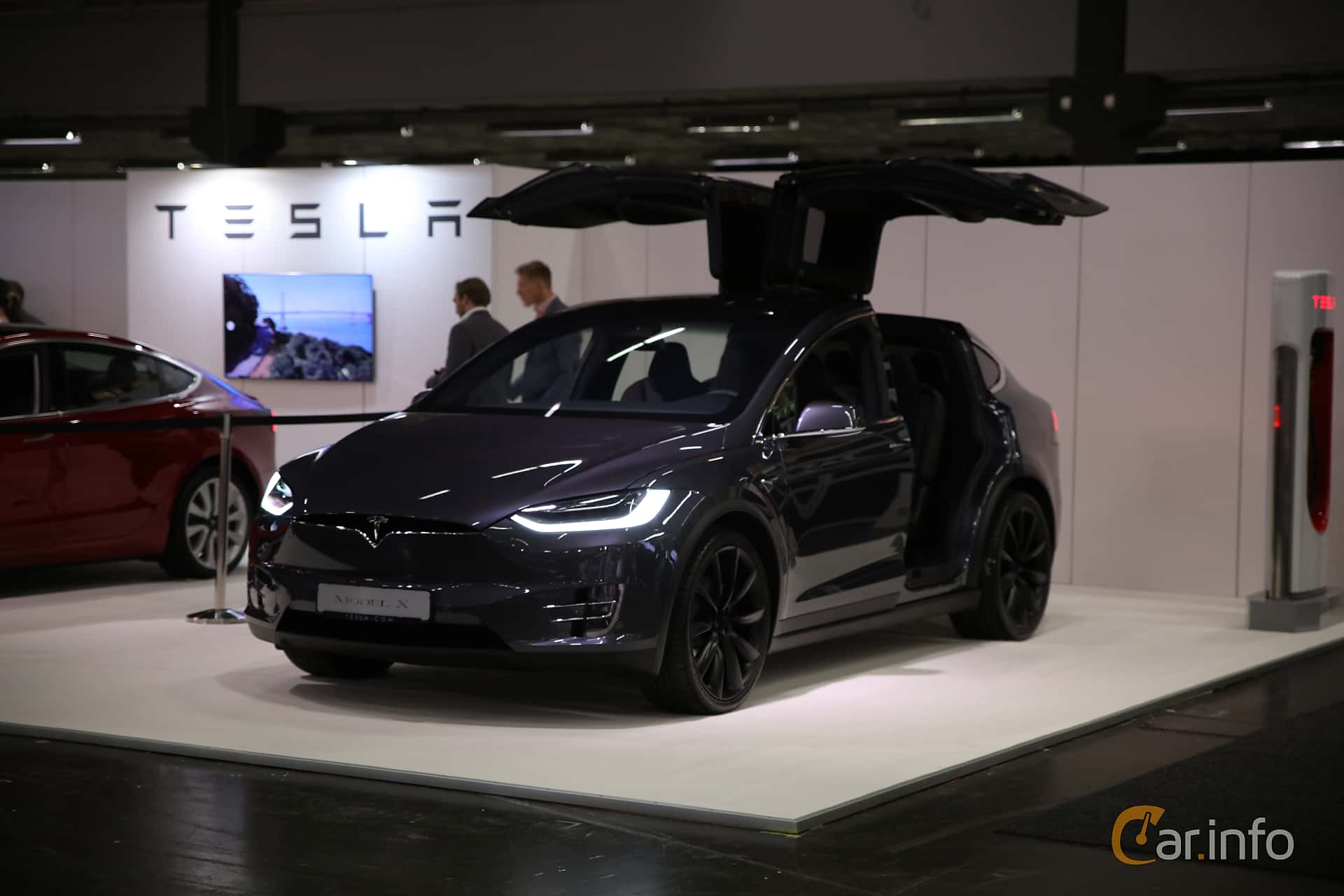 Front/Side  of Tesla Model X 100D 100 kWh AWD Single Speed, 423ps, 2018 at eCar Expo Göteborg 2018