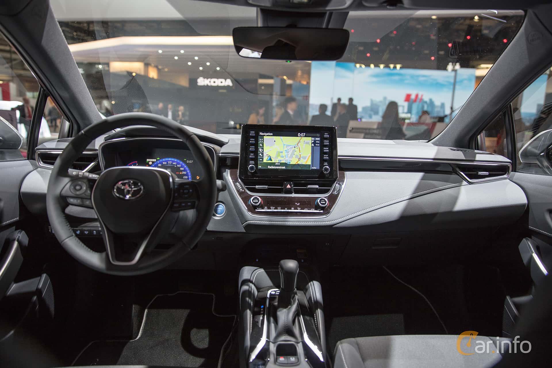 Interior Of Toyota Corolla Hybrid Station Wagon 1 8 Vvt I 3jm Cvt