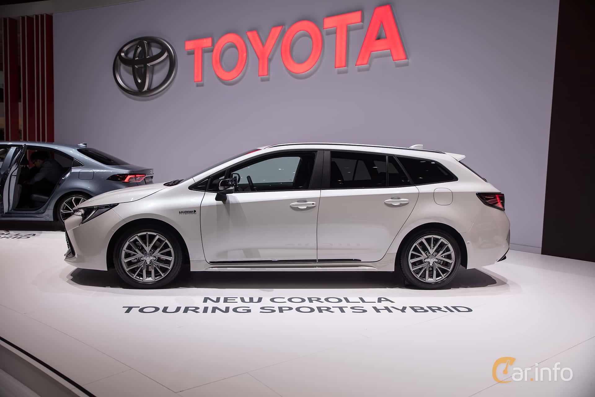 Toyota corolla touring sports 2019