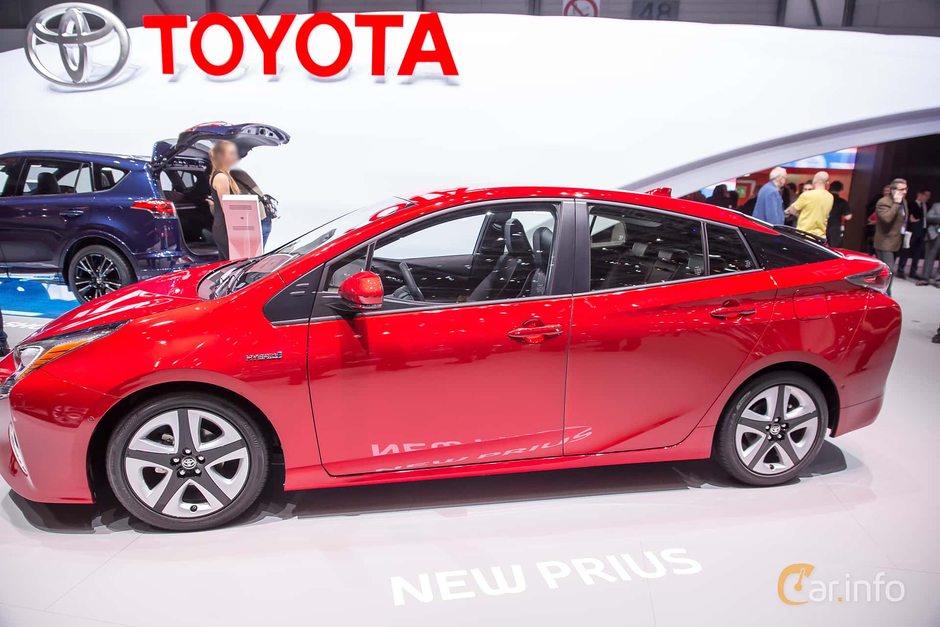 Excellent Toyota Prius Hybrid 18 VVTi CVT 123hp 2016 At Geneva