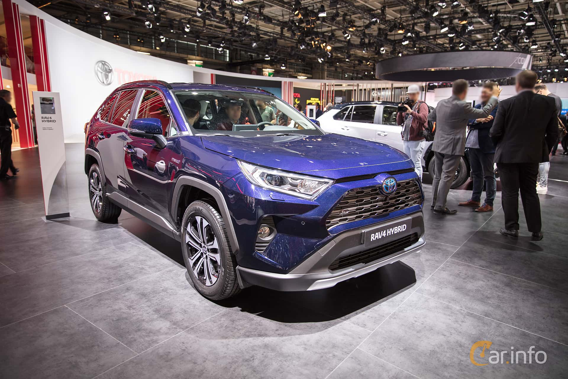 toyota rav4 2 5 awd ecvt 178hp 2019 at paris motor show 2018. Black Bedroom Furniture Sets. Home Design Ideas