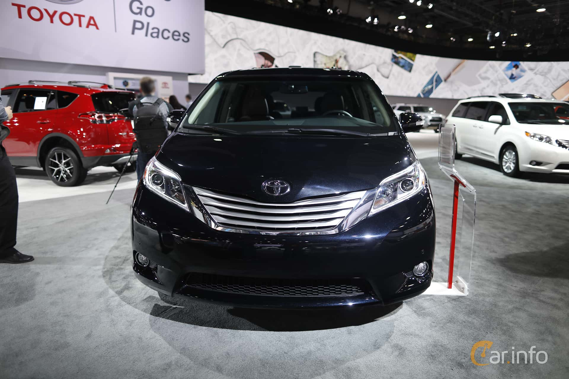 Toyota Sienna 3.5 V6 AWD Automatic, 301hp, 2017 at North American International Auto Show 2017