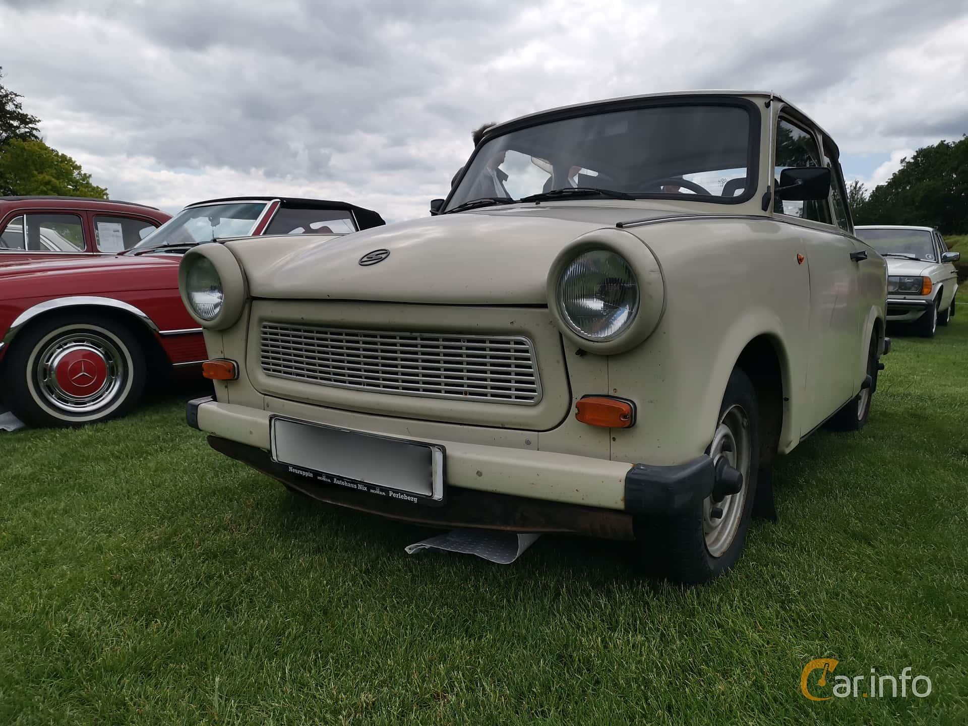 Front/Side  of Trabant 601 Limousine 0.6 Manual, 26ps, 1987 at Sofiero Classic 2019