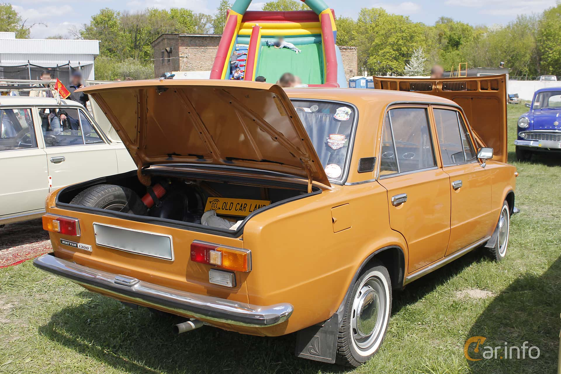 VAZ VAZ-21011 1.3 Manual, 68hp, 1978 at Old Car Land no.1 2018