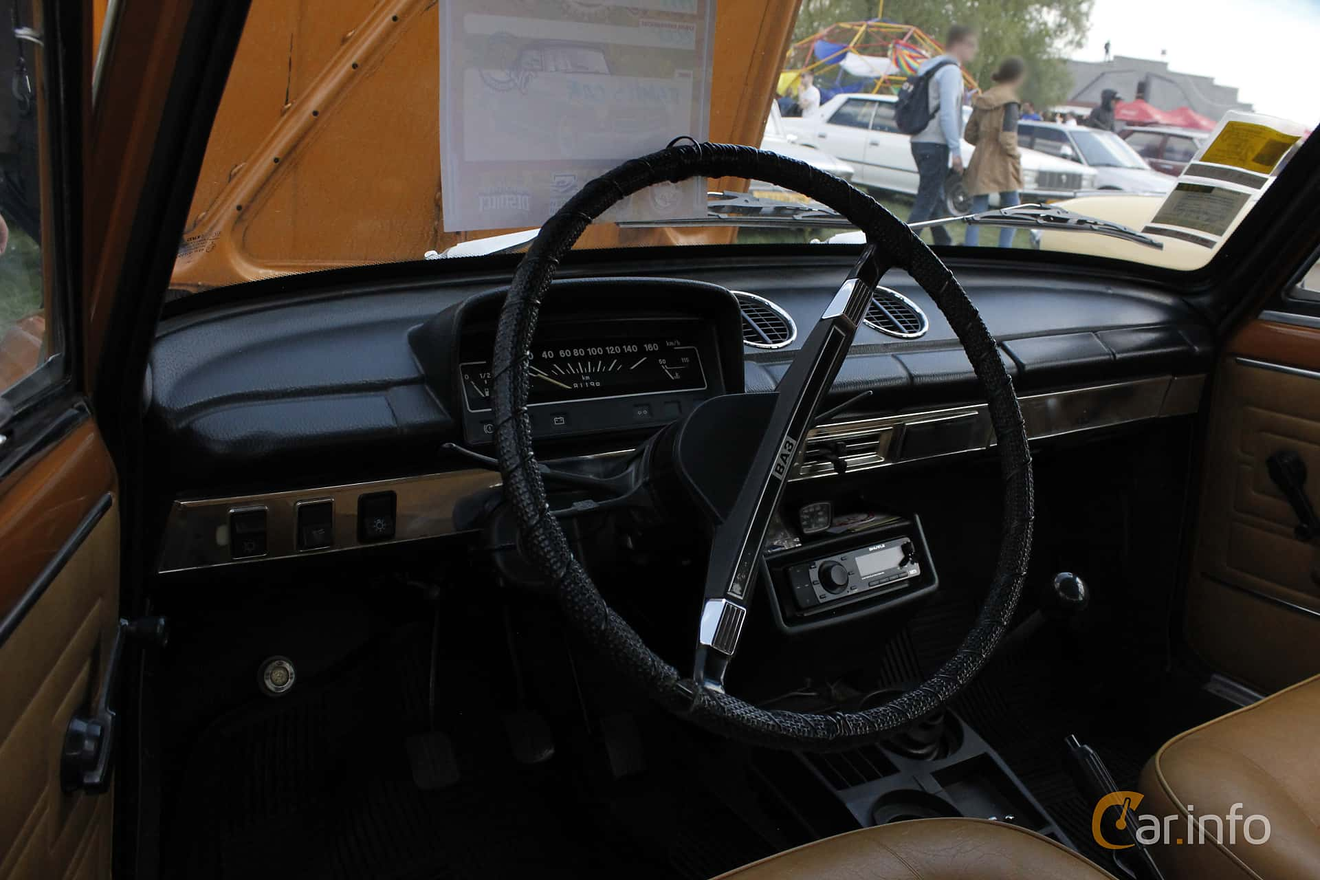 VAZ VAZ-21011 1.3 Manual, 68hp, 1978 at Old Car Land no.1 2018