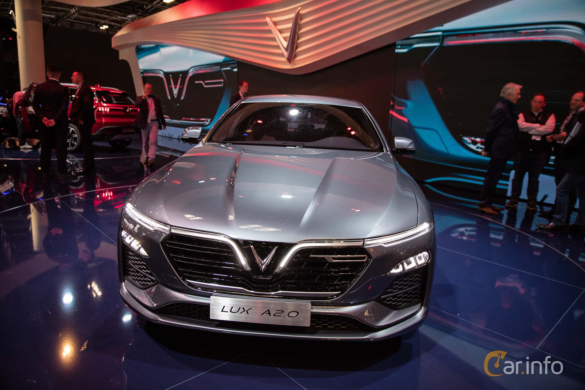 Front  of VinFast LUX A2.0 2019 at Paris Motor Show 2018