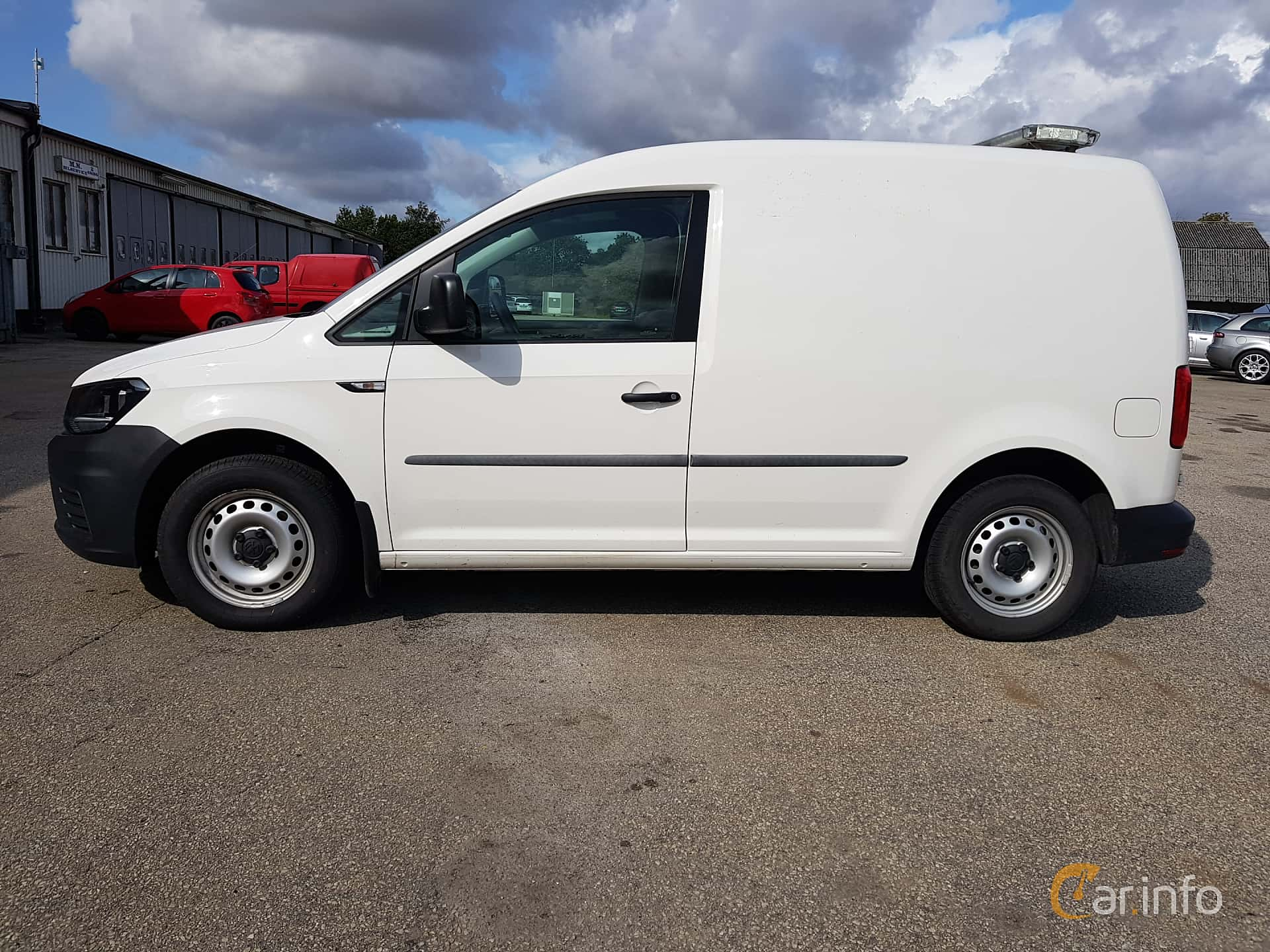 Side  of Volkswagen Caddy Panel Van 2.0 TDI BlueMotion Manual, 75ps, 2017