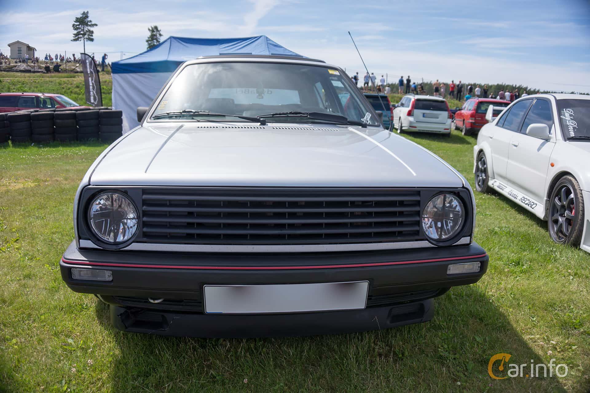 2 images of volkswagen golf gti 3 door 1 8 manual 112hp 1985 by rh car info 1986 Volkswagen Golf 1990 Volkswagen Golf
