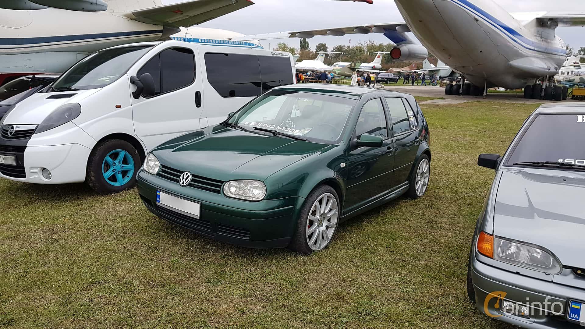 4 Images Of Volkswagen Golf 5 Door 1 4 Manual 75hp 2000 By