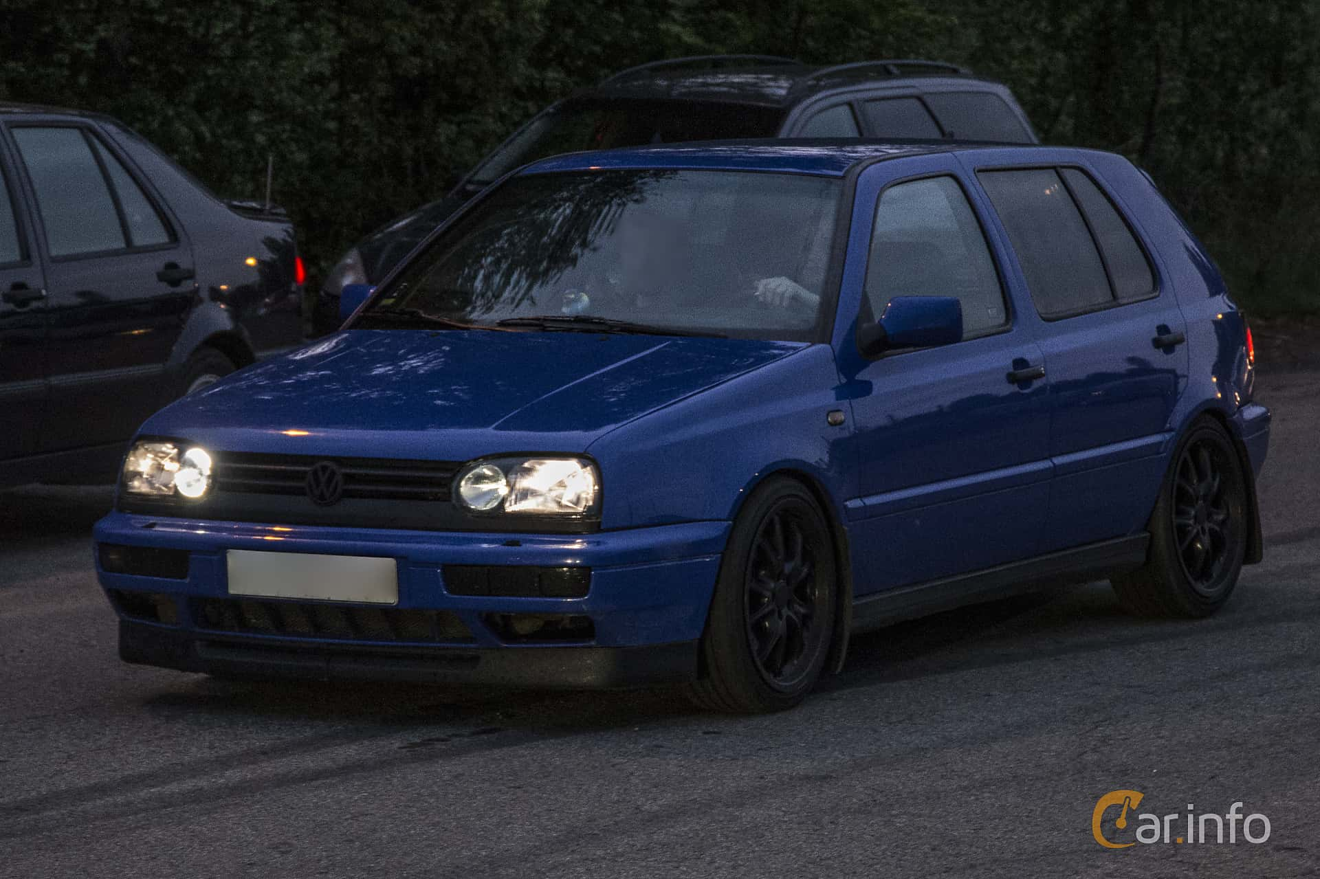 Front/Side of Volkswagen Golf 5-door 2.9 VR6 syncro Manual, 190ps,