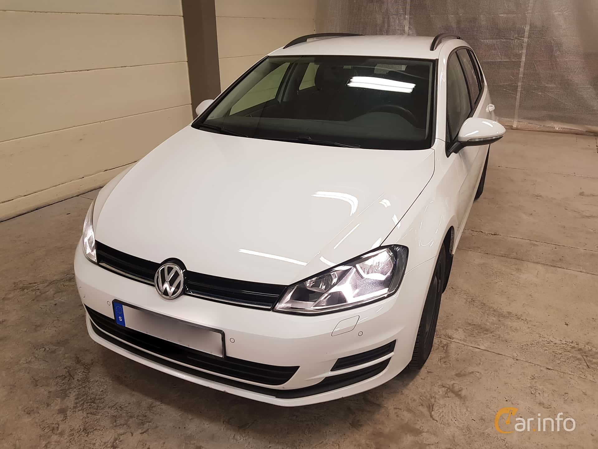 Front/Side  of Volkswagen Golf Variant 1.2 TSI Manual, 110ps, 2016