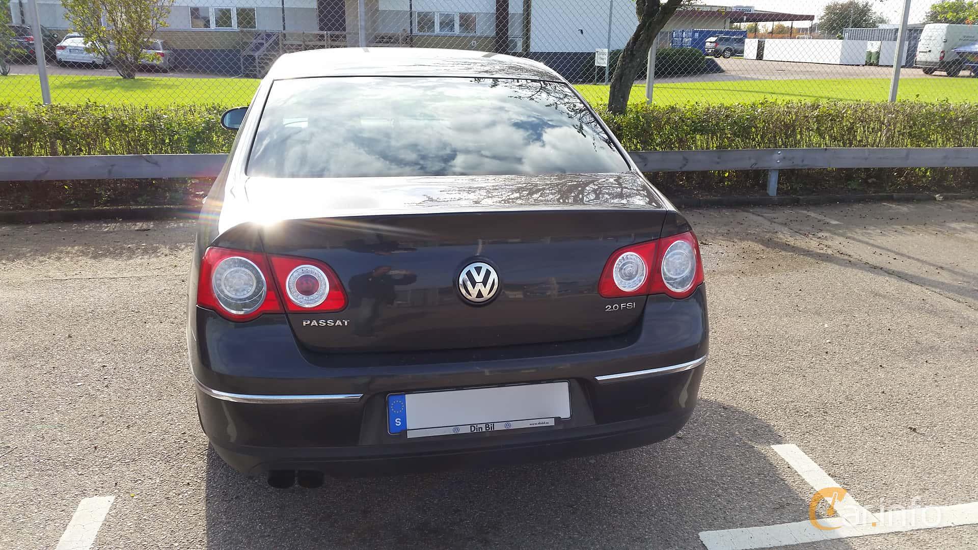 Back of Volkswagen Passat 2.0 FSI Manual, 150ps, 2006