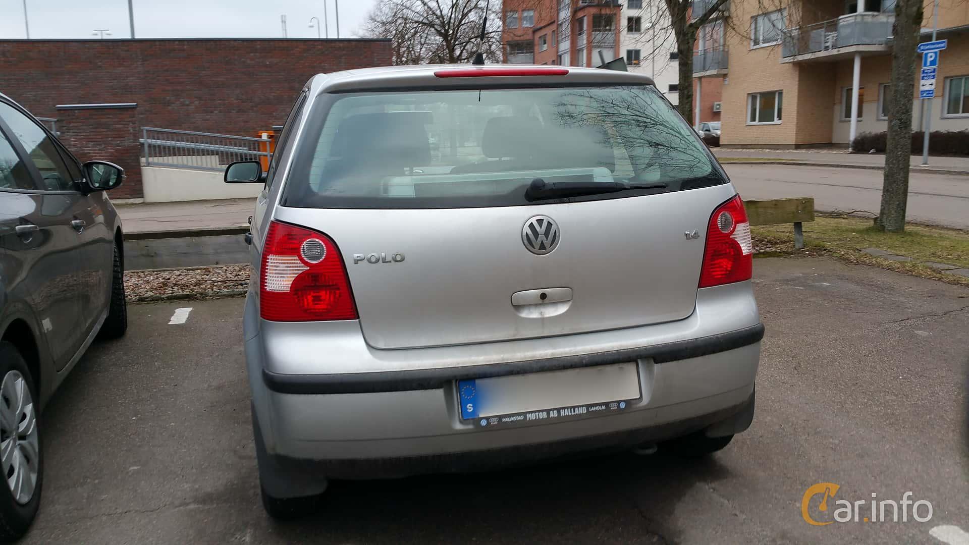 Back of Volkswagen Polo 5-door 1.4 Manual, 75ps, 2004