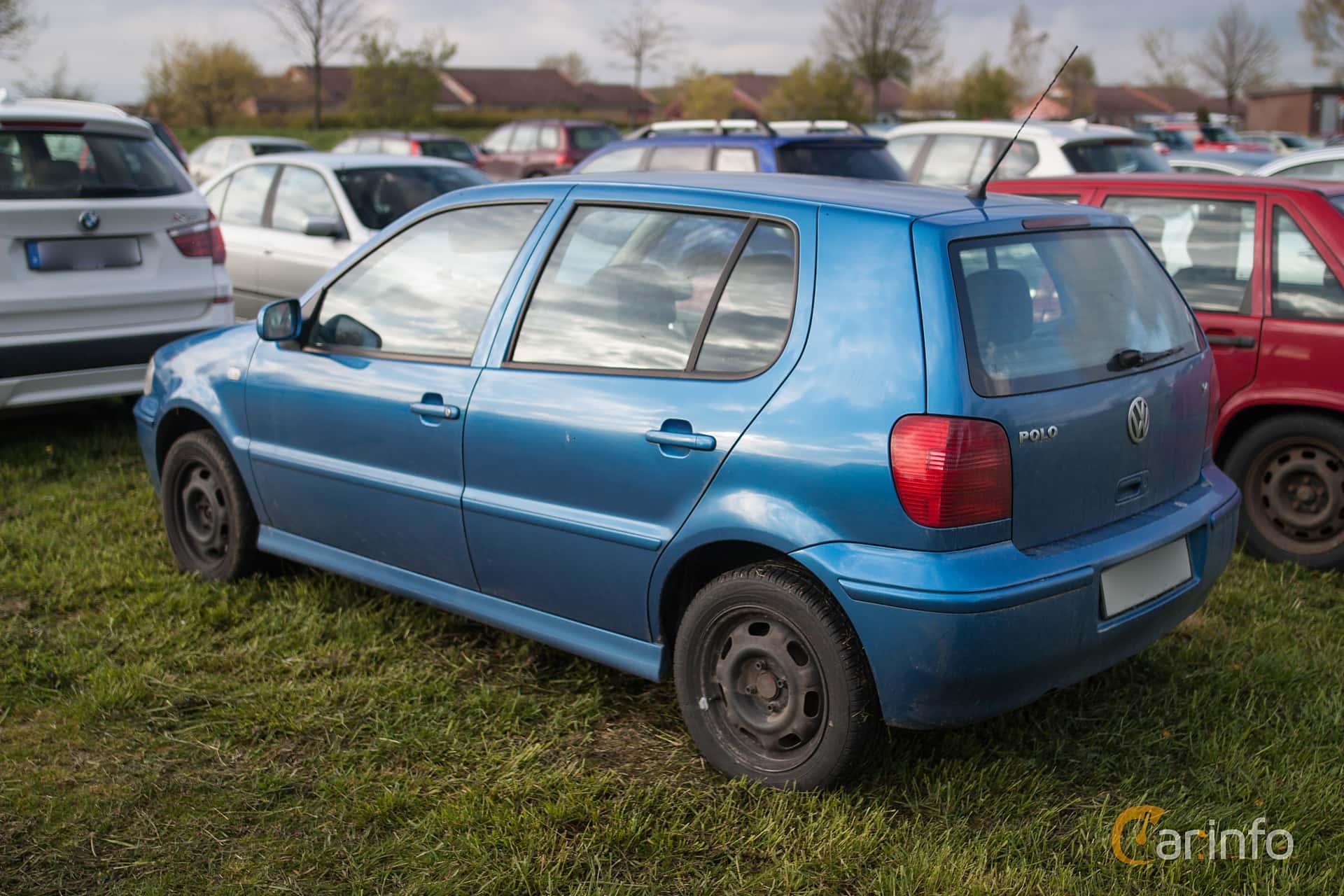 Back/Side of Volkswagen Polo 5-door 1.4 Manual, 75ps, 2001