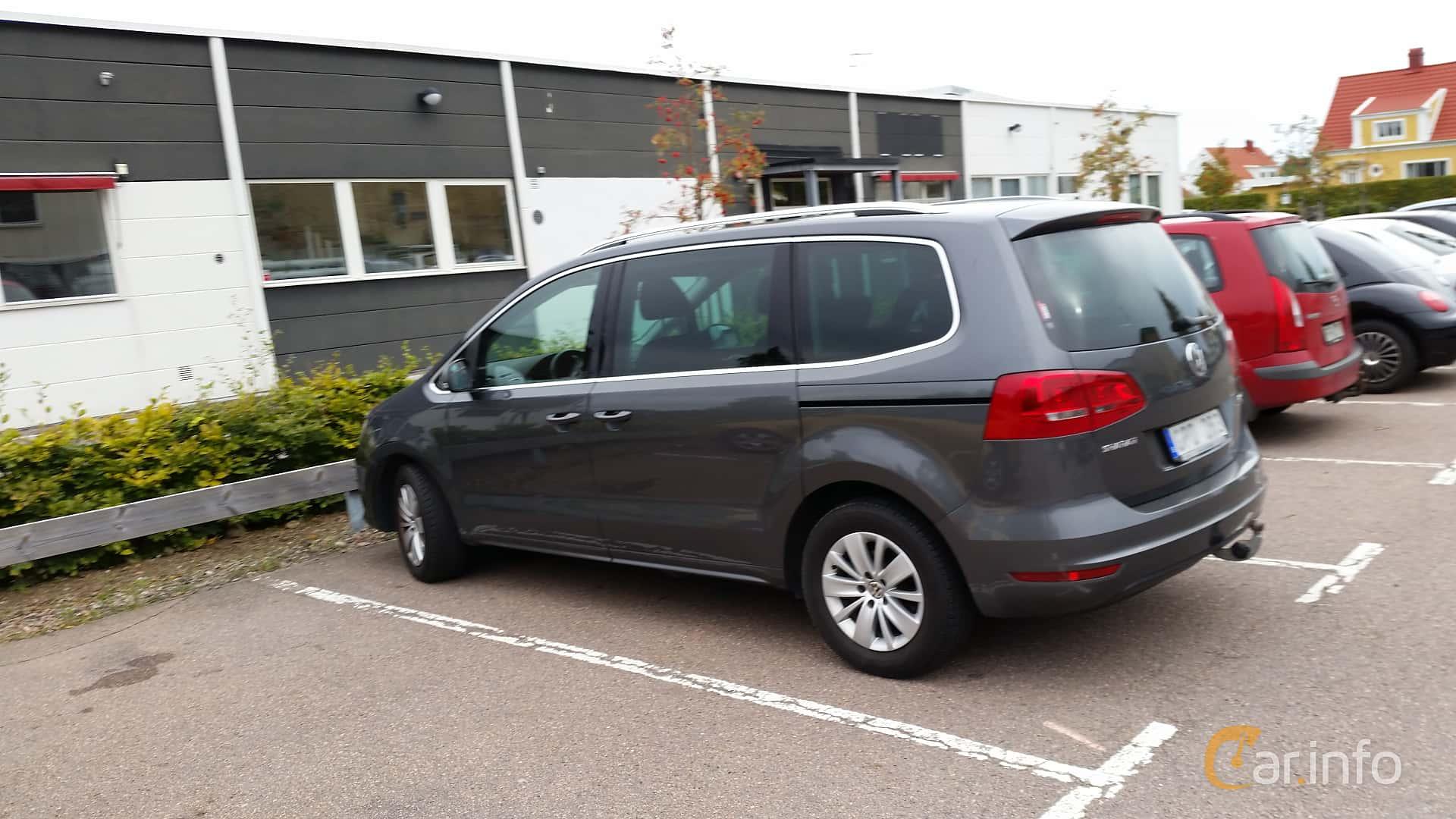 Back/Side of Volkswagen Sharan 2.0 BlueTDI Manual, 140ps, 2011