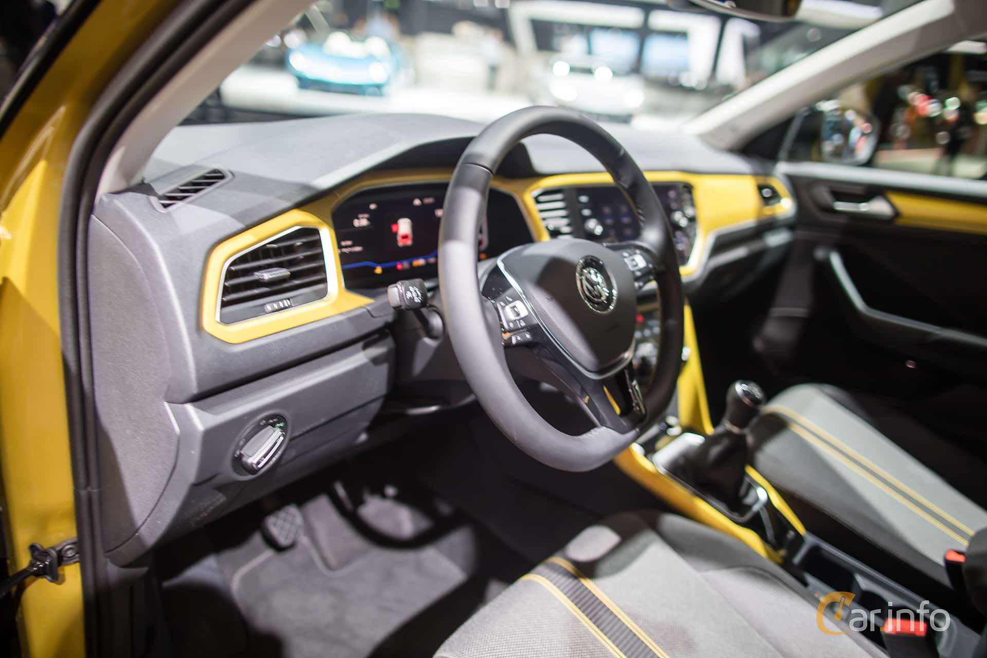 Volkswagen t roc 2018 at iaa 2017 for Interior volkswagen t roc
