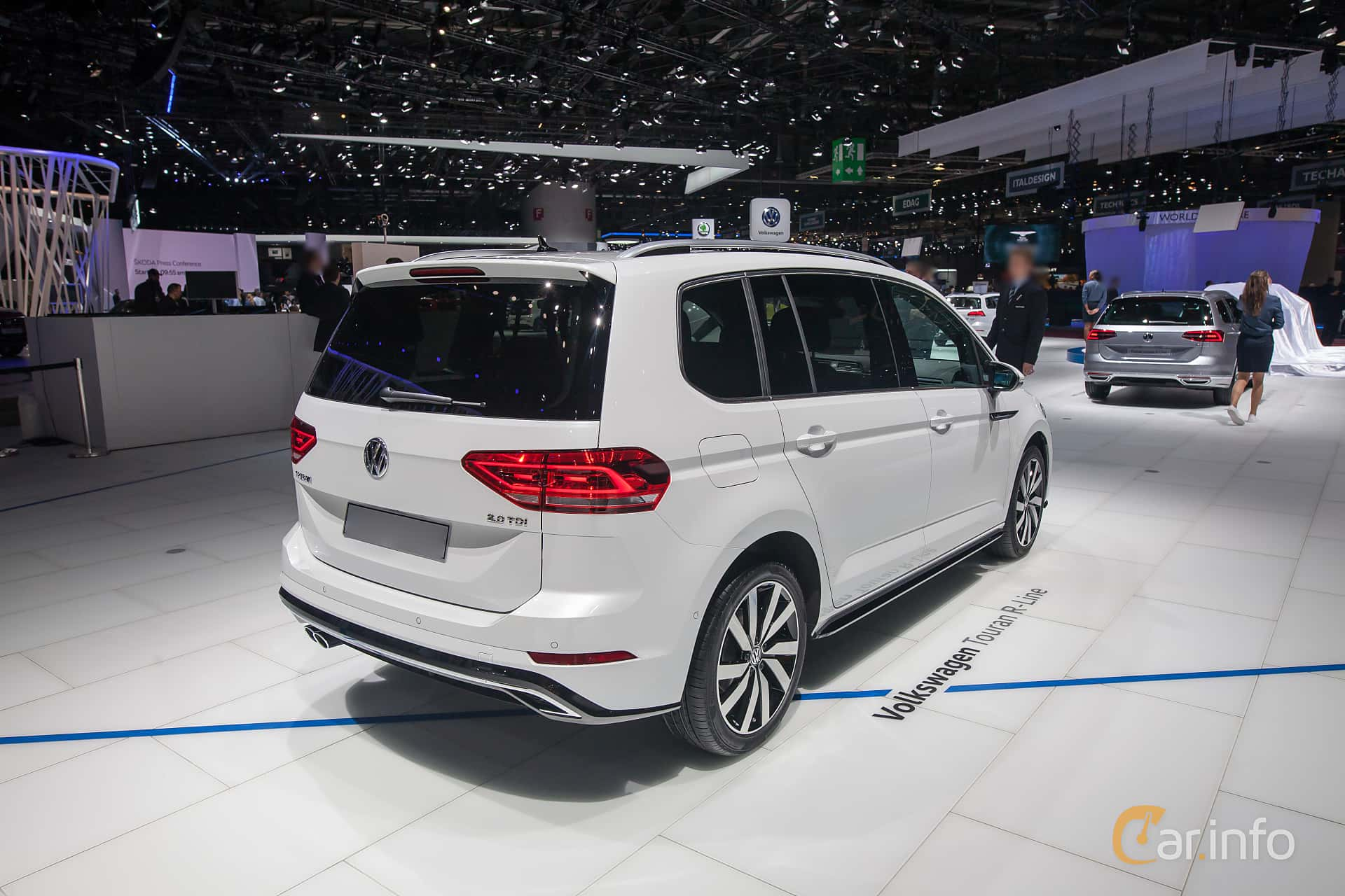 volkswagen touran 2 0 tdi dsg sequential 190hp 2017 at geneva motor show 2017. Black Bedroom Furniture Sets. Home Design Ideas