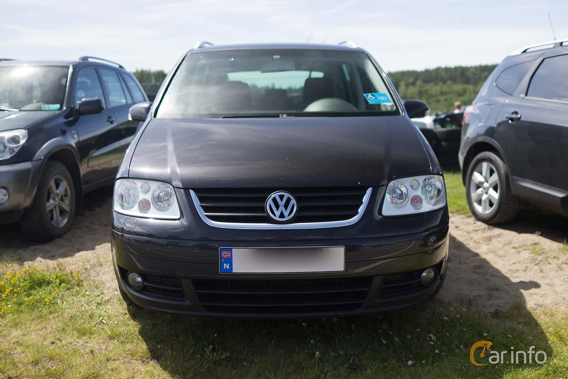 Front of Volkswagen Touran 1.9 TDI Manual, 105ps, 2005 at Gatebil Rudskogen  juli 2015