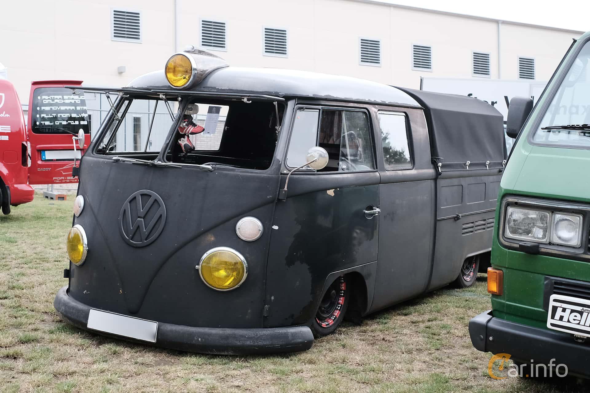 Front/Side  of Volkswagen Transporter 1500 Pickup 1.5 Manual, 44ps, 1966 at West Coast Bug Meet 2019