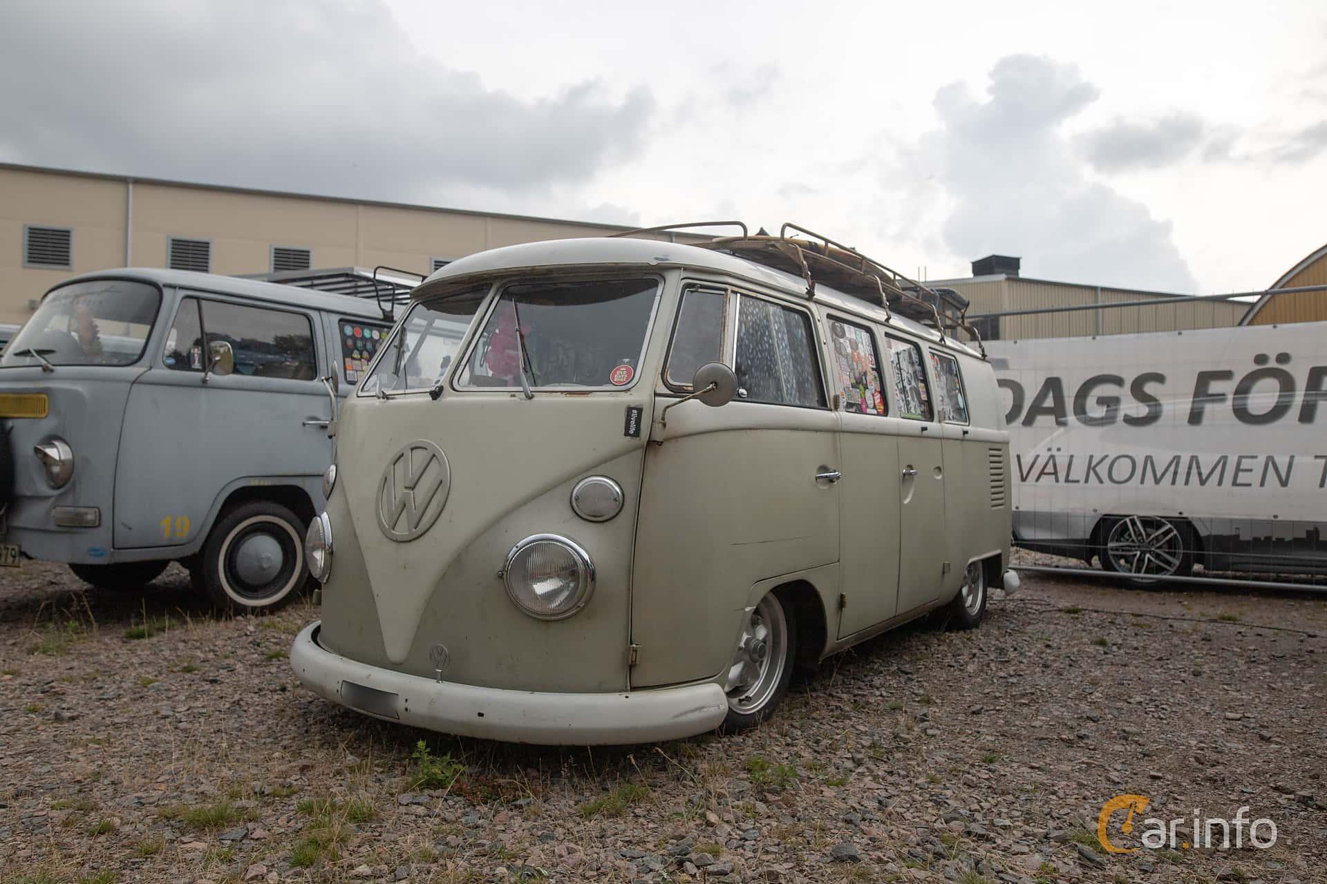 Front/Side  of Volkswagen Transporter 1500 1.5 Manual, 44ps, 1967 at West Coast Bug Meet 2019