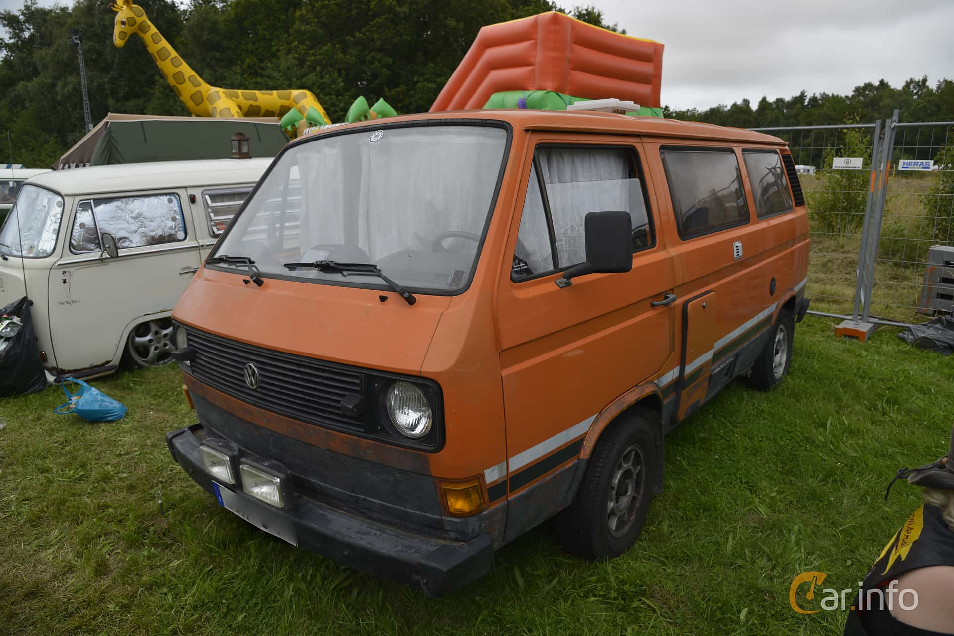 Front/Side of Volkswagen Transporter 2.0 Manual, 70ps, 1982 at West Coast  Bug