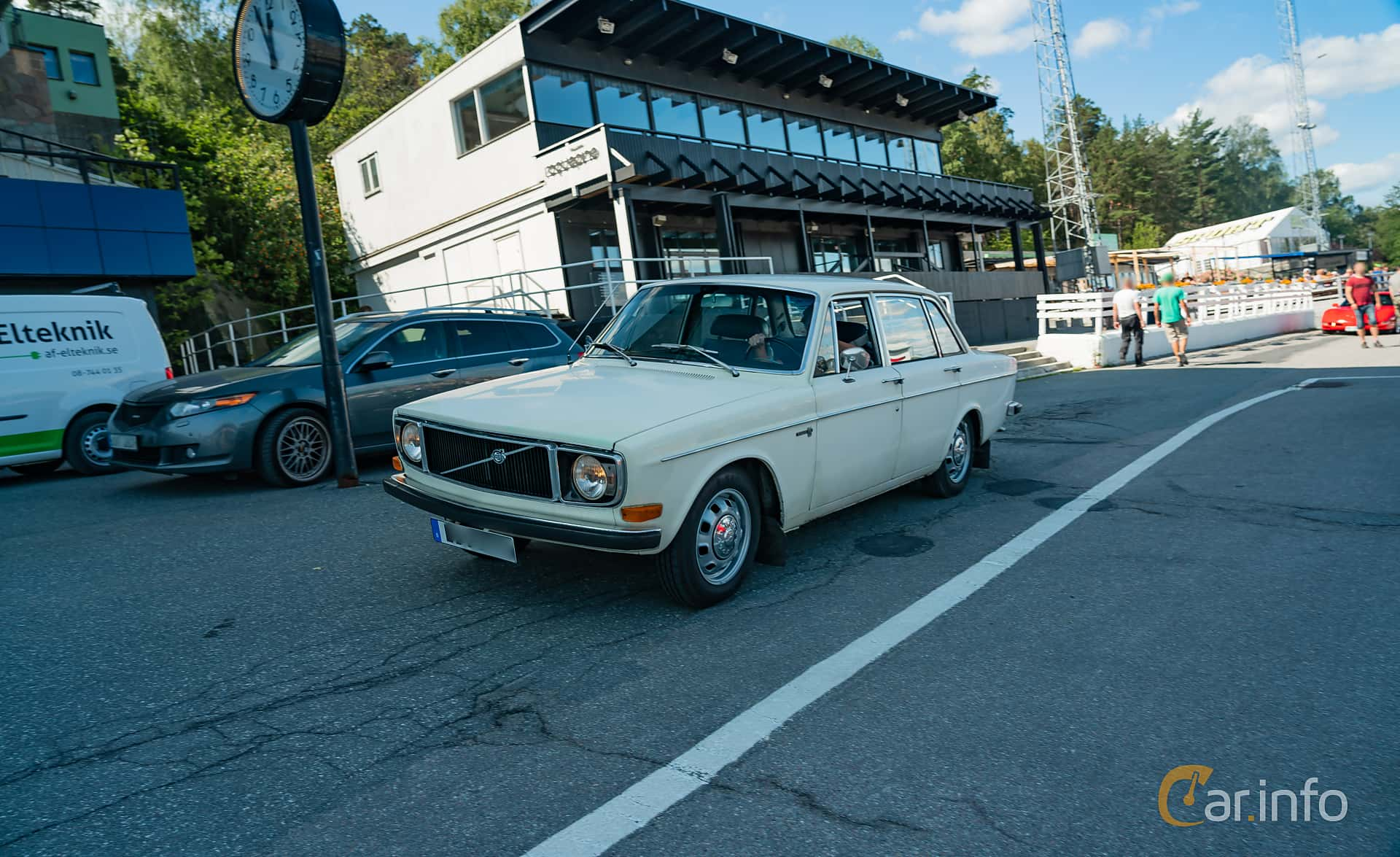 Volvo 144 2.0 Manual, 82hp, 1971 at Stockholm Vintage & Sports Car meet 2019